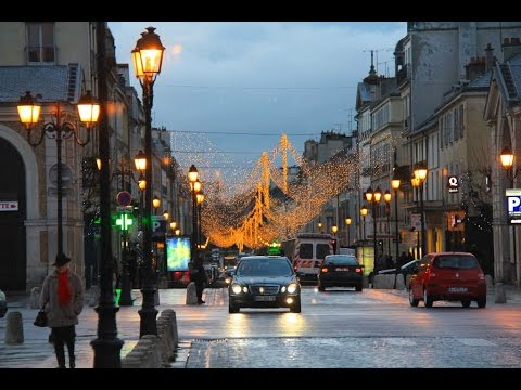 A Walk Around The Town of Versailles at Christmas