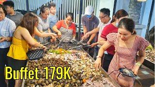Cận Cảnh Người Sài Gòn Xếp Hàng Đi Ăn Buffet Hải Sản Gần 100 Món Giá Rẻ Chỉ 179K