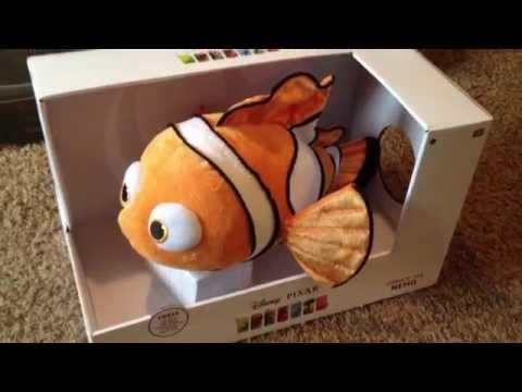 Toys R Us Thinkway Toys Disney/Pixar Cuddle 'N' Talk Nemo
