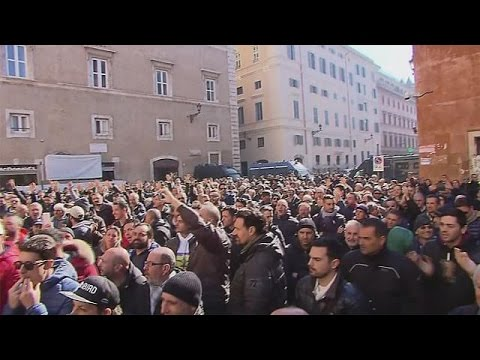 Italy: anti-Uber protests take thousands of taxis off the streets - economy