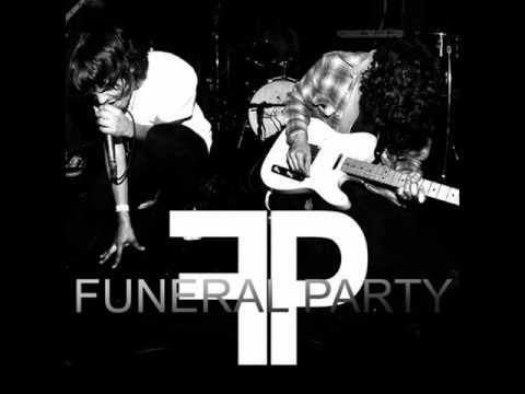 Клип Funeral Party - Car Wars