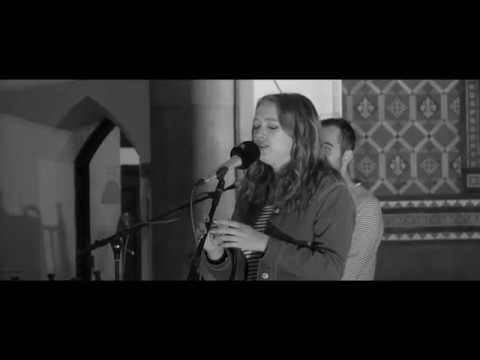 Alice Auer - October (Live)