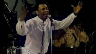Joe Arroyo- Te Quiero Mas (Live)