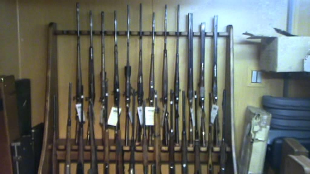 Rifles de segunda mano armeria serbal de los cazadores youtube Baules de segunda mano