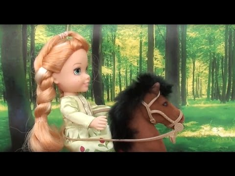 Elsa and Anna toddlers horse riding with Barbie and Chelsea