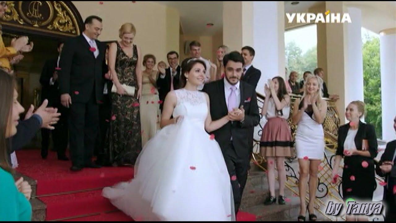 Под платьем на лестнице видео онлайн фото 658-562
