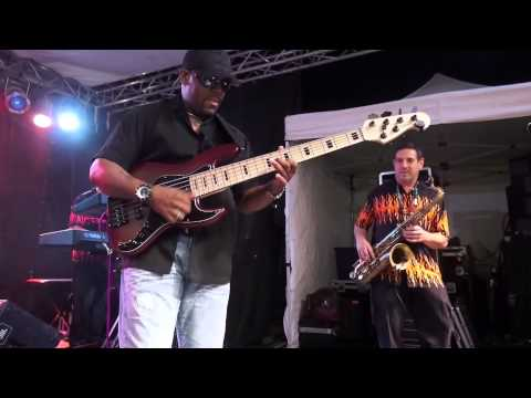 E Pruitt - live bass solo of