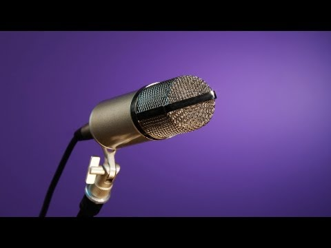 4 Tips on Singing into a Microphone | Singing Lessons