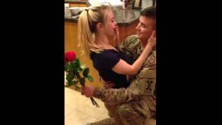 US soldier returns home, surprises girlfriend VIRAL