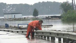 В Приамурье дожди стали причиной обильного паводка, во второй раз стихия атакует иркутский Тулун.