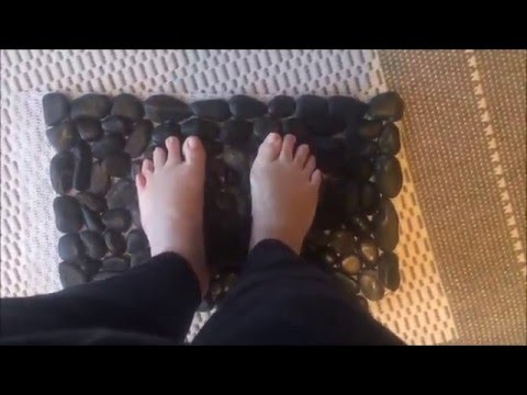 Dollar Tree river rock bath mat tutorial