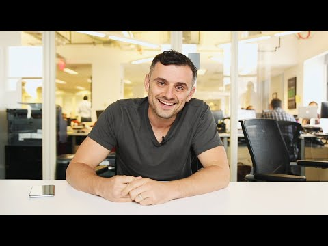 Can Minimalism & Ambition Co-Exist? ft. GaryVee