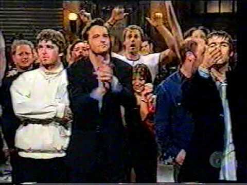 Oasis -  Noel Scratching His Balls SNL 97