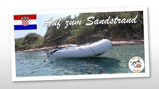 Mit dem Boot unteŗwegs zu einem Sandstrand | Kroatien 2019