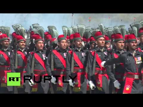 RAW: Pakistan holds Republic Day parade for first time in 7 yrs