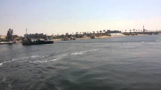 قناة السويس الجديدة مصر:معدية نمرة 6تنقل العمال والمواطنيين الى القناة