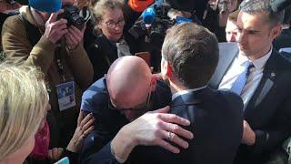 Un retraité craque en évoquant ses difficultés avec Emmanuel Macron