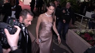 EXCLUSIVE : Bella Hadid leaving without The Weekend the Palais des festivals in Cannes