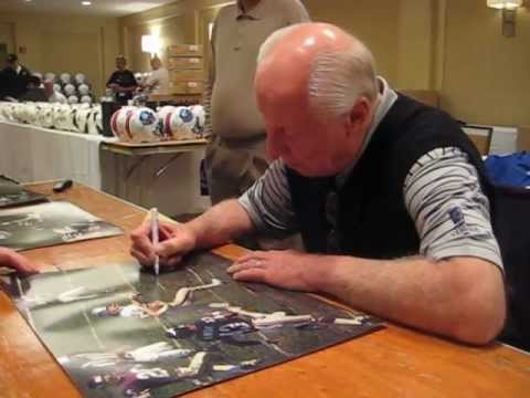 Fred Biletnikoff signs autographs for The SI KING 3-17-13