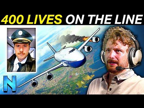 REAL AIRLINE PILOT Guides Civilians Through Emergency Landing   Flight Simulator 2020