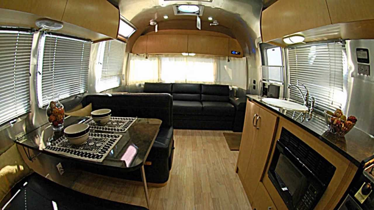 The 2012 Airstream Flying Cloud 30 Lounge Black