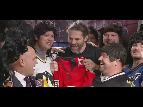 Jaromir Jagr -  entertain the fans in Calgary