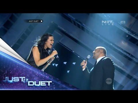 Putri & Mike performed Reza's Biar Menjadi Kenangan - Live Duet 01 - Just Duet