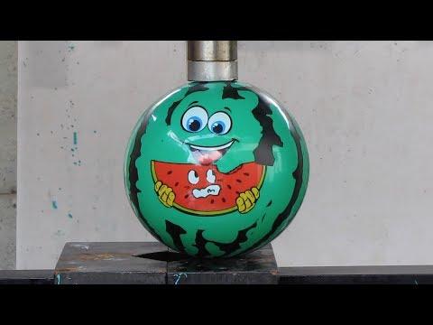 ビーチボール VS 油圧プレス機 /Beach ball with  Hydraulic press machine.液壓機