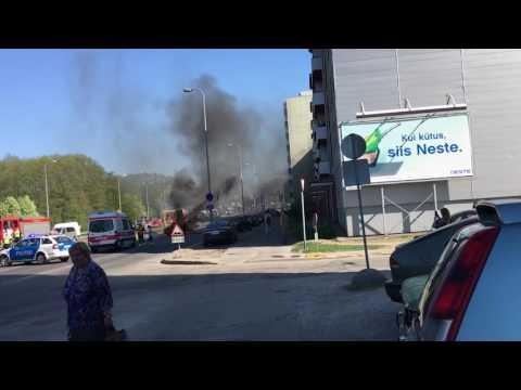 Car on fire in Tallinn part 4.