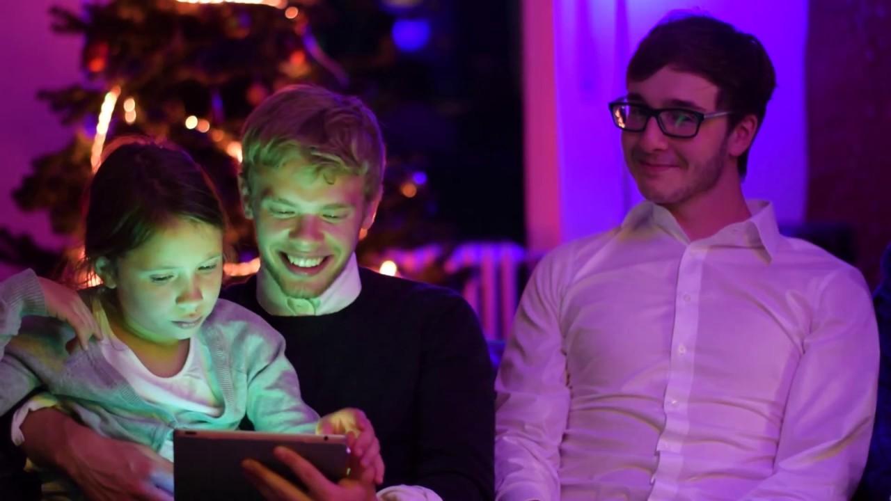 Philips Weihnachtsbeleuchtung.Philips Hue Christmas Scene Das Kann Smarte Weihnachtsbeleuchtung