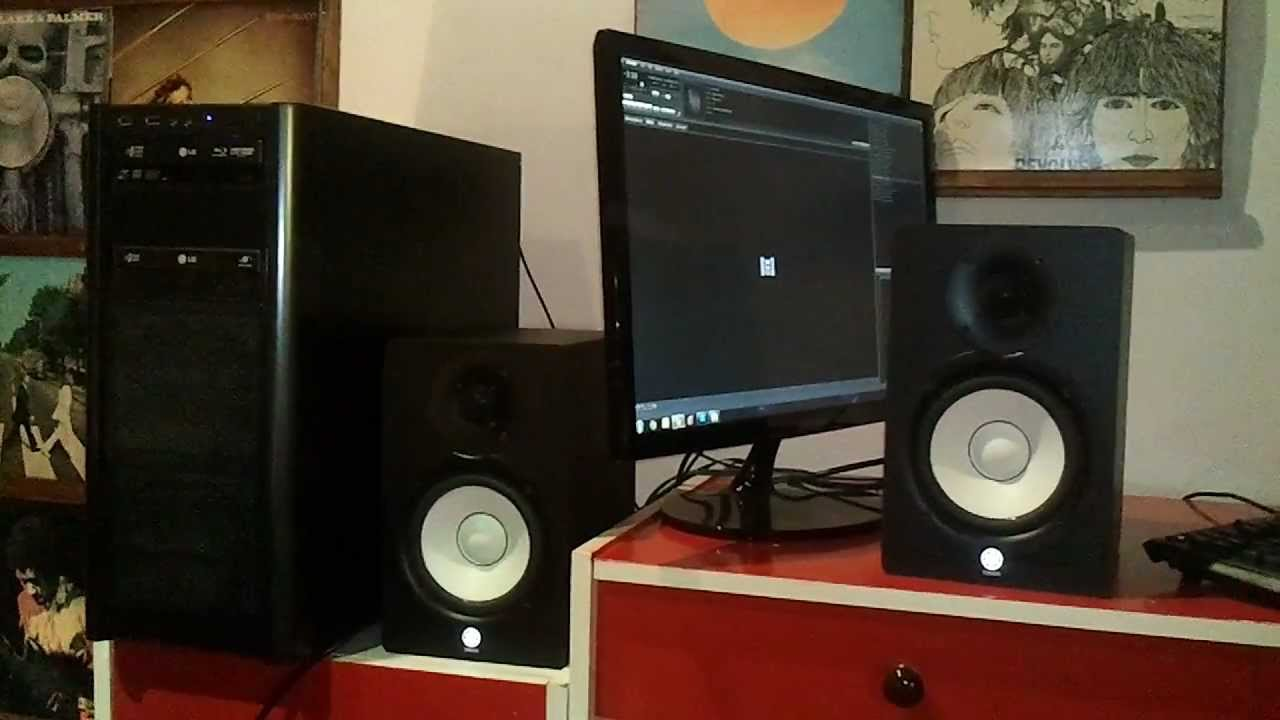Yamaha hs50m studio monitors as desktop speakers youtube for Yamaha hs5 no bass
