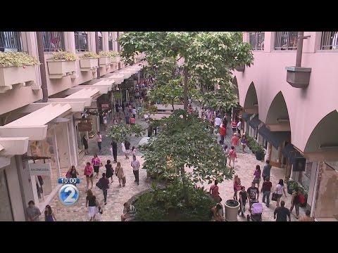New technology helps customers navigate Ala Moana Center parking structure