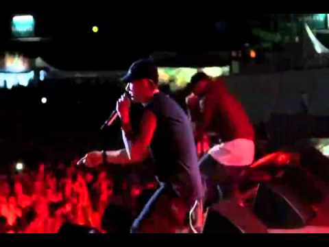 Bad Meets Evil - Fast Lane ( LIVE 2011)