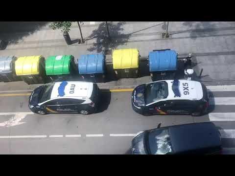 La Policía Aplaude A Los Ciudadanos Que Cumplen Con El Confinamiento