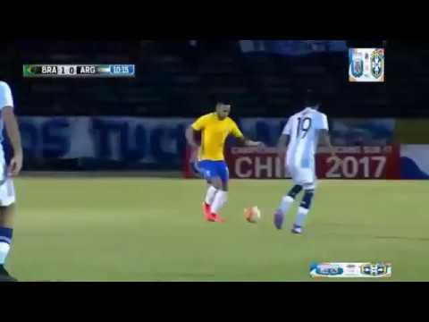 Agónico empate de Argentina, que necesita un milagro para clasificar