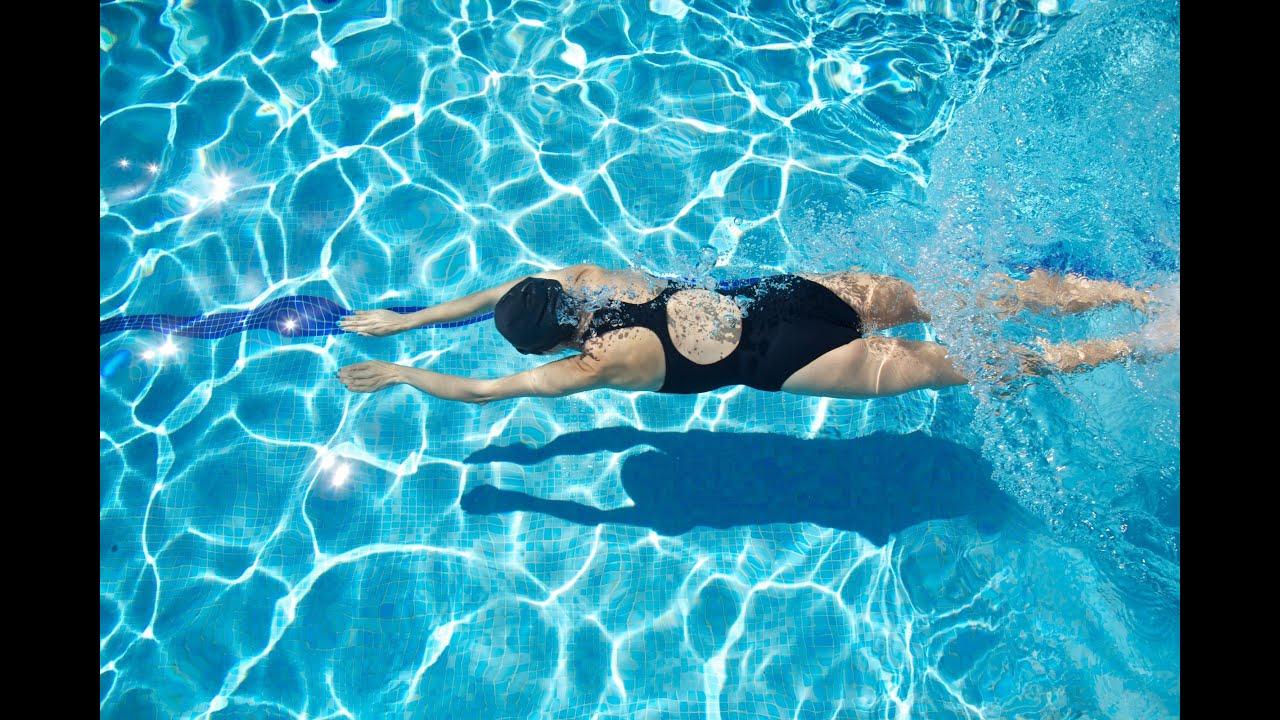 dd8efa8354b3 La natación y sus efectos y beneficios en el dolor de espalda o cuello