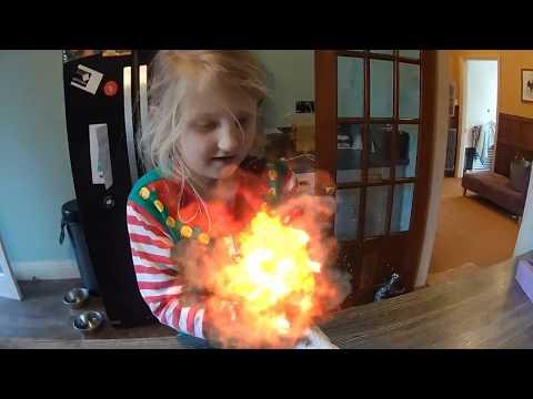 MAGIC In Her Hands (Alice POWER!!)