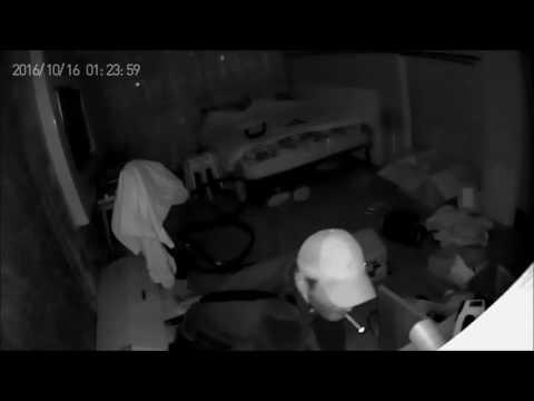 Ограбление квартиры зафиксировала IP-камера