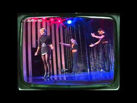 Тэр үе C.C. Catch - Soul Survivor (ZDF Kultur Hitparade 11.11.1987) - YouTube.flv