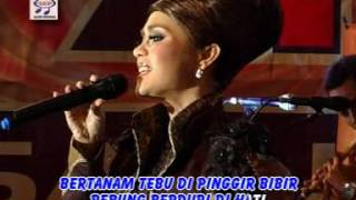 Video Iyeth Bustami - Cindai (Official Music Video) download MP3, 3GP, MP4, WEBM, AVI, FLV Desember 2017