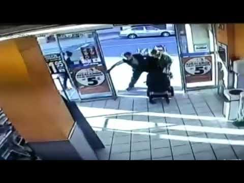 La pillan robando en un súper y la emprende a golpes con el empleado que quiso impedir su huida