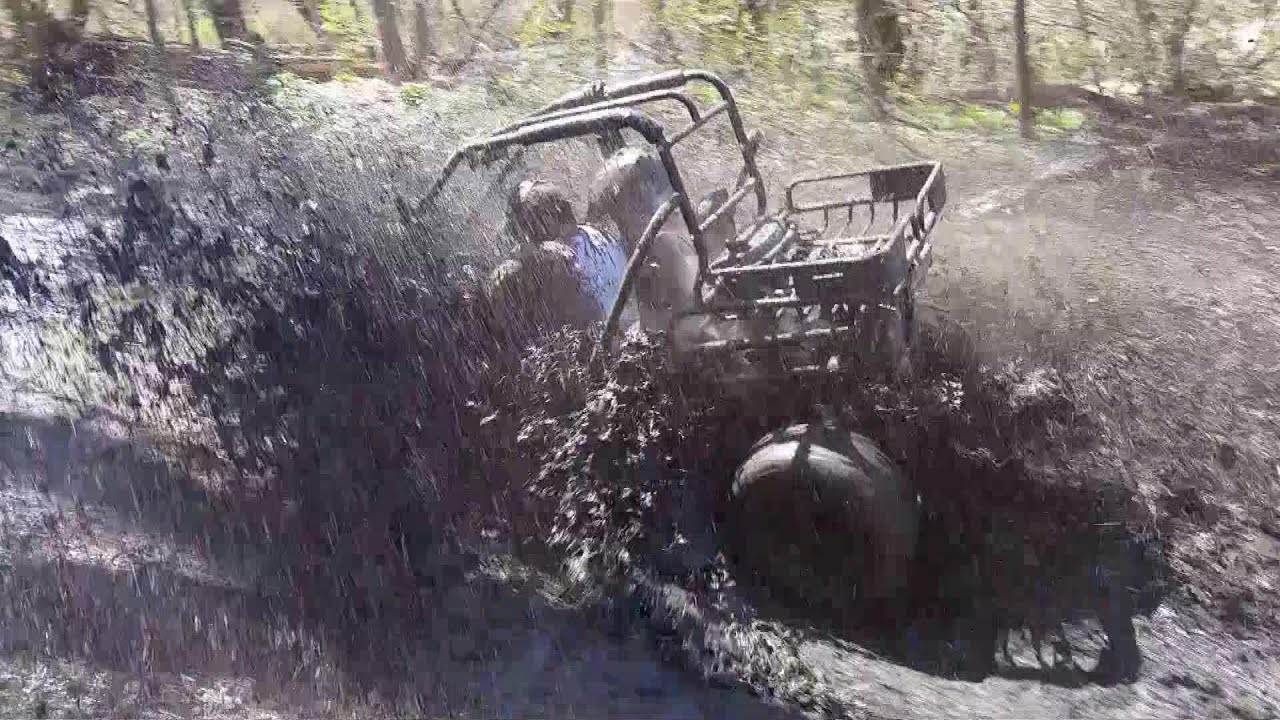 THIS IS WHY YOU WEAR A HELMET! Go Kart Deep Mudding - Manco Deuce Vs   Stingray 250