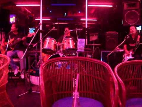 PATTAYA Bar-Song KITASAKABA【200912】.avi