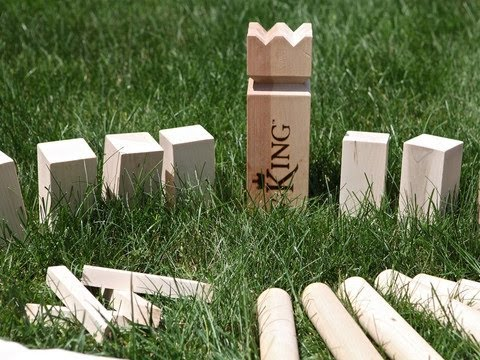 V:King - Viking Lawn Game