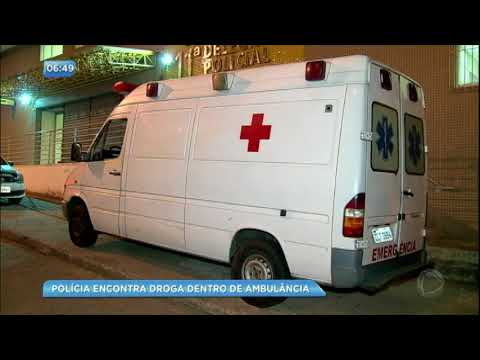 Polícia encontra droga em ambulância na Rocinha (RJ)