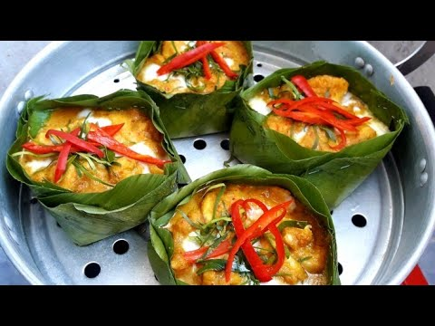 របៀបធ្វើអាម៉ុកត្រី - How to make Amok Fish - Khmer Food | Samphos Cooking Food