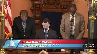 Sen. Nesbitt welcomes Rev. Wilson to the Michigan Senate