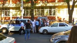 Уличные дебаты кандидатов в Госдуму от Краснодара закончились потасовкой