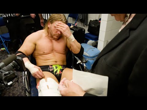 10 WWE Wrestlers Who Fought Through The Pain Barrier