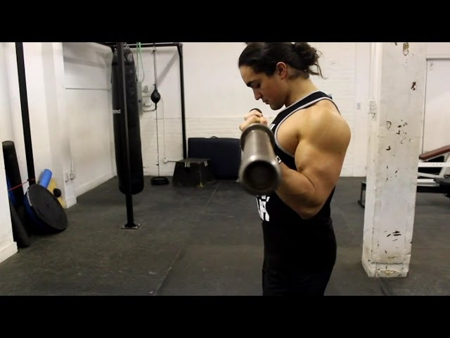 3 Tips For Bigger Biceps...How to Properly Bicep Curl (And What NOT to Do)